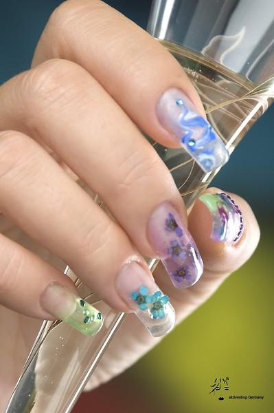 Дизайн ногтей иголками
